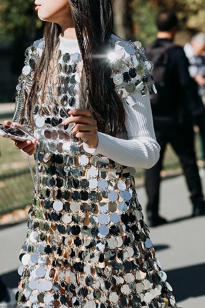 Charlotte Deckers Photography   FashionWeek Paris SS19 Fashion Streetstyle Closeup Leaf Greener