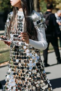 Charlotte Deckers Photography | FashionWeek Paris SS19 Fashion Streetstyle Closeup Leaf Greener