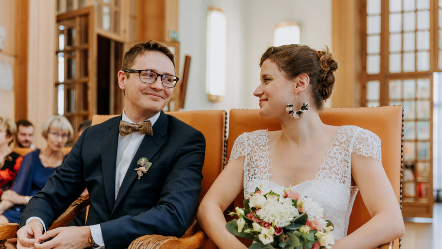 Charlotte Deckers Photography | Wedding Photographer | Bridal Couple at Town Hall
