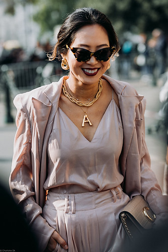 Charlotte Deckers Photography | FashionWeek Paris SS19 Fashion Streetstyle Aimee Song