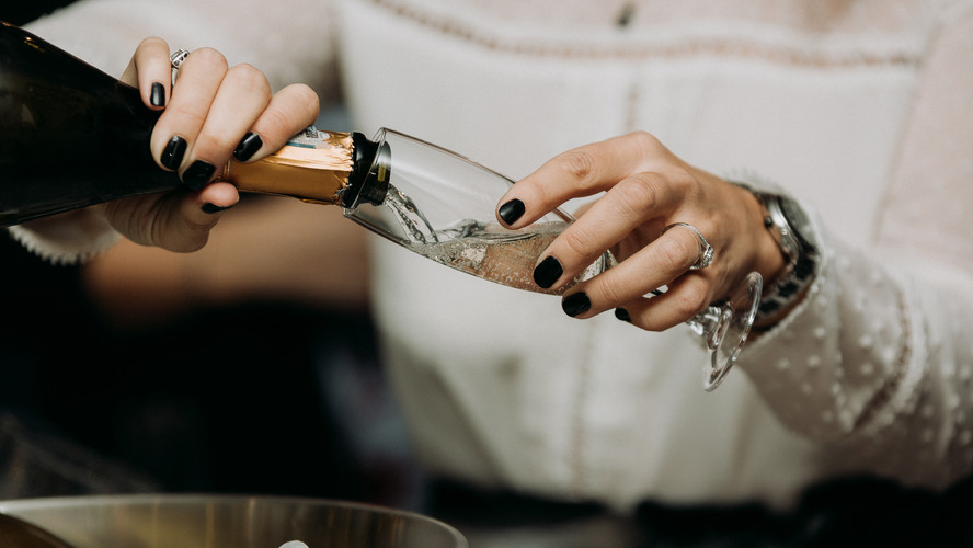 Charlotte Deckers Photography | Event Photographer | Bottle Glass Champagne Close up