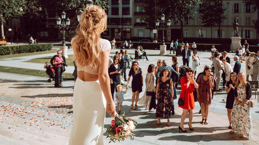 Charlotte Deckers Photography | Wedding Photographer | Bouquet Thrown