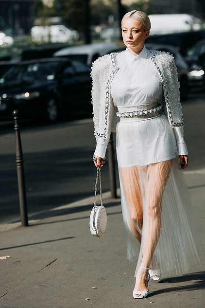 Charlotte Deckers Photography   FashionWeek Paris SS19 Fashion Streetstyle Caroline Vreeland