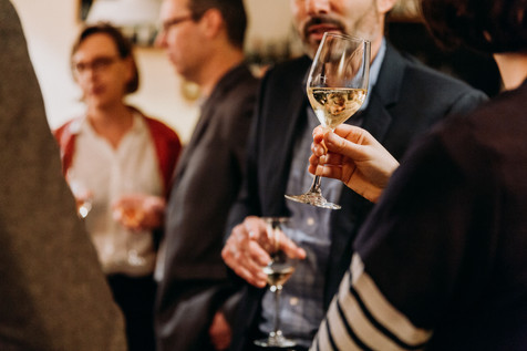 Charlotte Deckers Photography | Event Photographer | Networking Event BPI Glass Wine