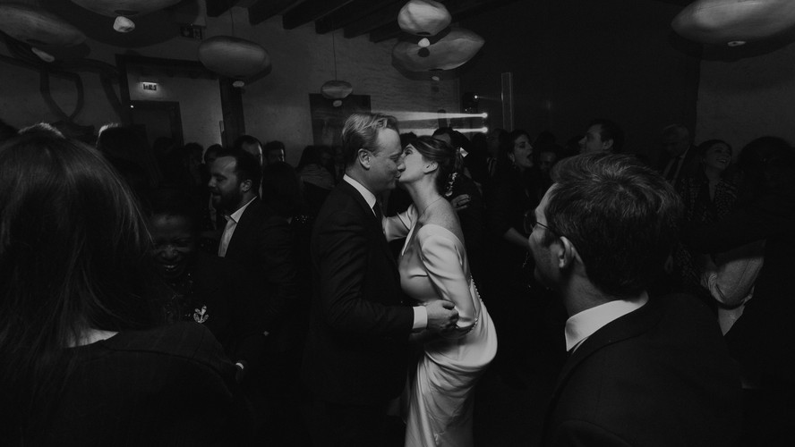 Charlotte Deckers Photography | Wedding Photographer | First Couple Dance