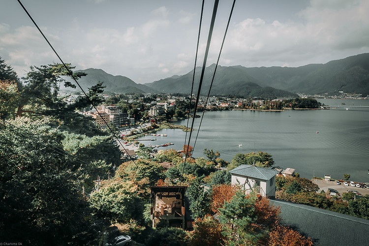 Charlotte Deckers Photography | Travel Photo Mount Fuji Japan | Cable Lift Nature View