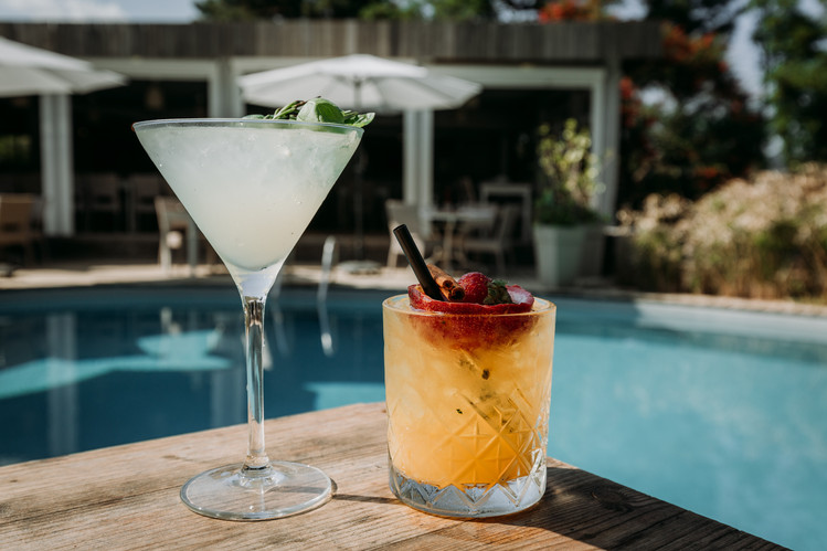 Charlotte Deckers Photography   Hotel Photographer   Drinks Cocktails Pool