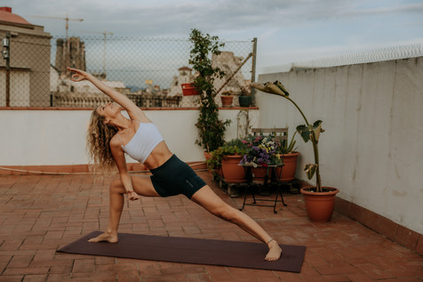 Charlotte Deckers Photography | Sports Photographer Barcelona Yoga