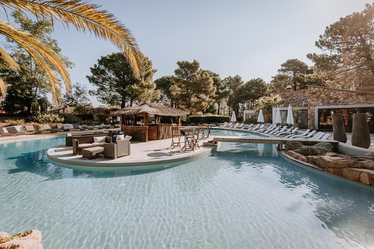 Charlotte Deckers Photography   Hotel Photographer   Big Pool