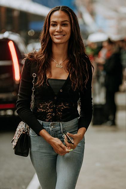 Charlotte Deckers Photography   FashionWeek NewYork SS19 Fashion Streetstyle Model Joan Smalls