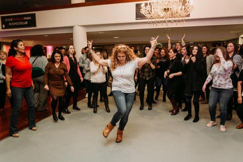 Charlotte Deckers Photography | Event Photographer | Woman Dancing Dancefloor People