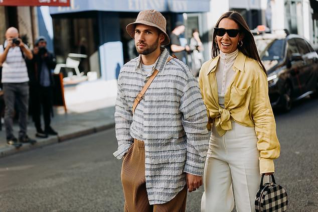 Charlotte Deckers Photography   FashionWeek Paris SS19 Fashion Streetstyle Alice Barbier & Js Roques