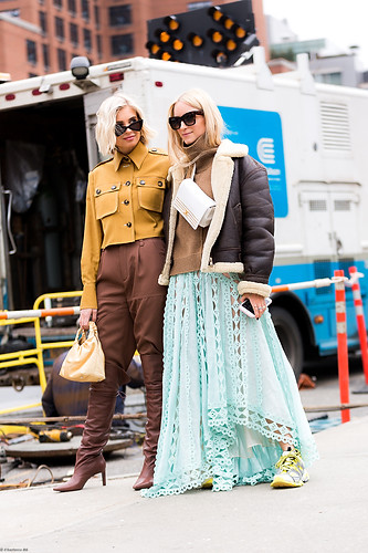 Charlotte Deckers Photography | FashionWeek NewYork AW19 Fashion Streetstyle Xenia Adonts & Charlotte Groeneveld