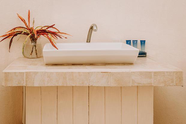 Charlotte Deckers Photography | Hotel Photographer | Bathroom Details