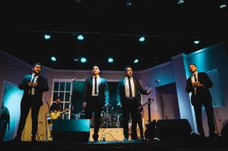 Los Legales coparon el teatro Astros de calle Corrientes