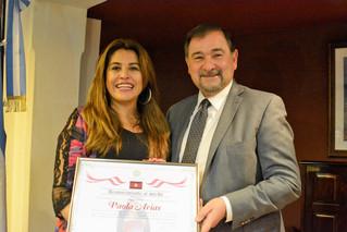 Paola Arias distinguida por sus 20 años de trayectoria