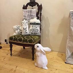les coussins d'alice et le lapin.jpg