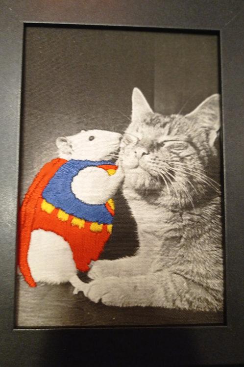 Super Souris murmure à l'oreille des chats