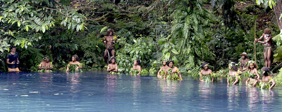 5-tim-filming-with-the-vanuatu-water-wom