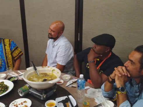 南島家人共進晚餐