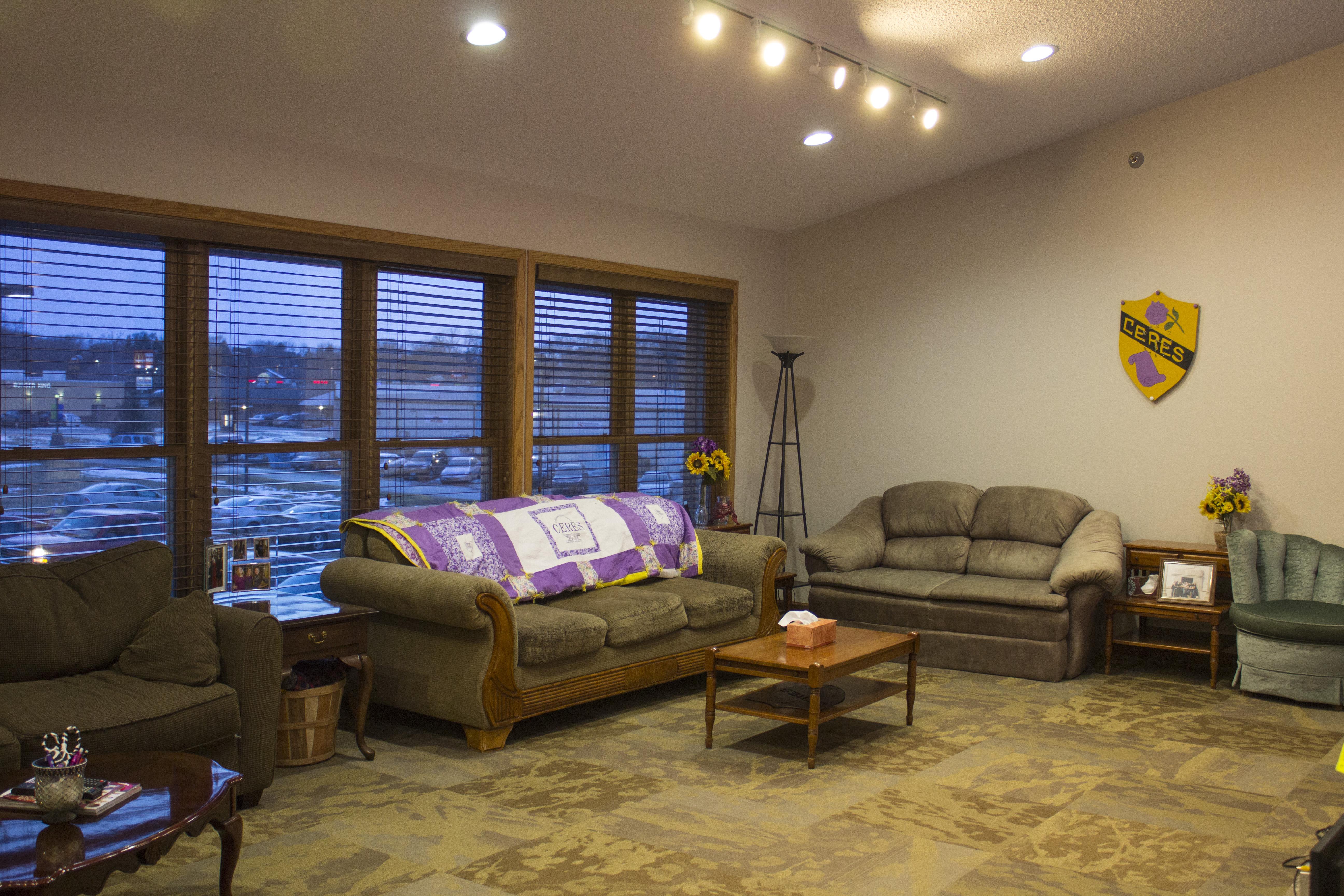 Upstairs Livingroom 1