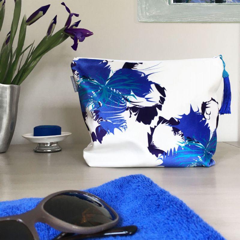 blue-velvet-spiky-flower-540-p[ekm]800x8