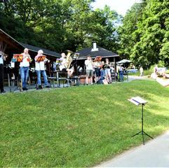 Der gemeinsame Posaunenchor unter Leitung von Kantor Kamprad begleitete uns musikalisch.