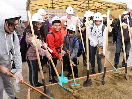 Groundbreaking Ceremony/Ceremonia para poner la primera piedra
