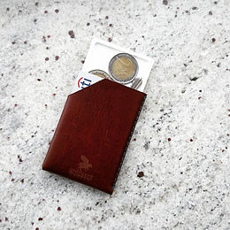 Carry coins in a minimal wallet while keeping it slim