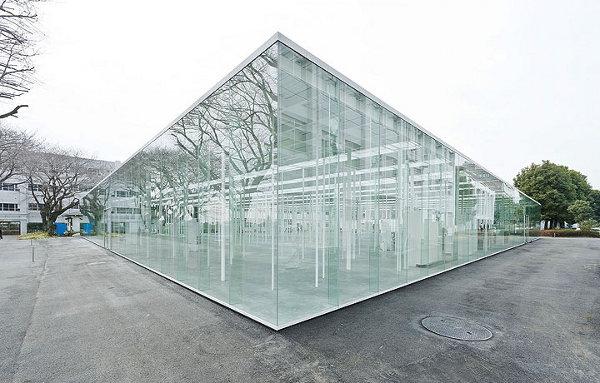 Kanagawa-Institute-of-Technology-Glass-Building-2