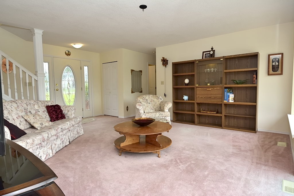 Lakeside Livingroom
