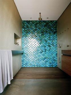 bathroom-fish-scale-2-tiles