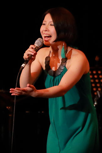 Kaori Imazumi - Biography
