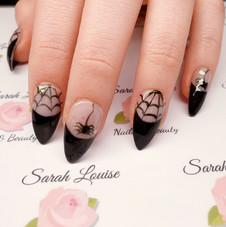 Lovely elegant Halloween nails 🖤🕸🕷