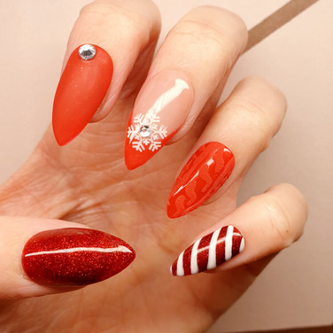 Candy Cane Christmas Nails 🎄🎄🎄 Absolutely loved doing this set 😍😍