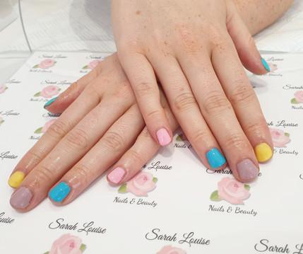 Gorgeous Summer Gel Polish Nails