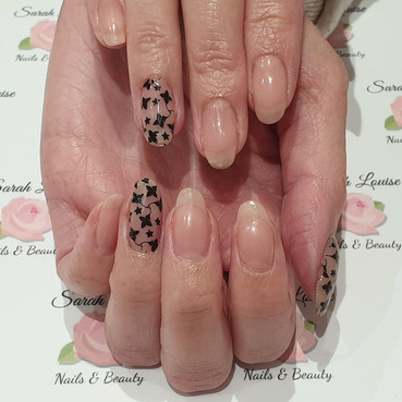 Simple yet effective gel polish nails using Elise & Black😊😊
