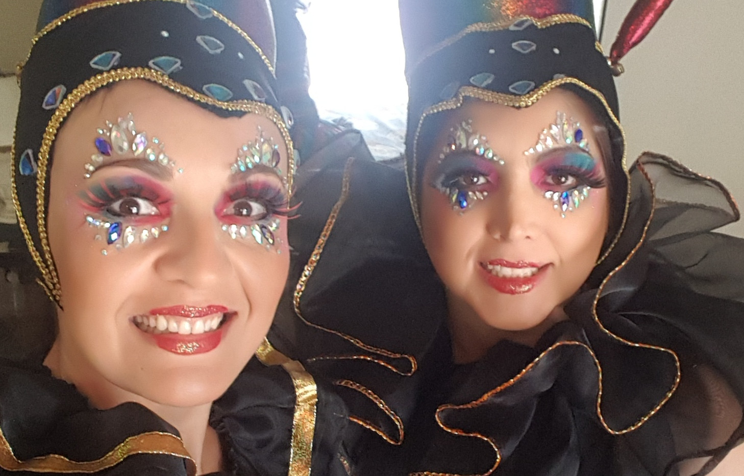 Roving performers.