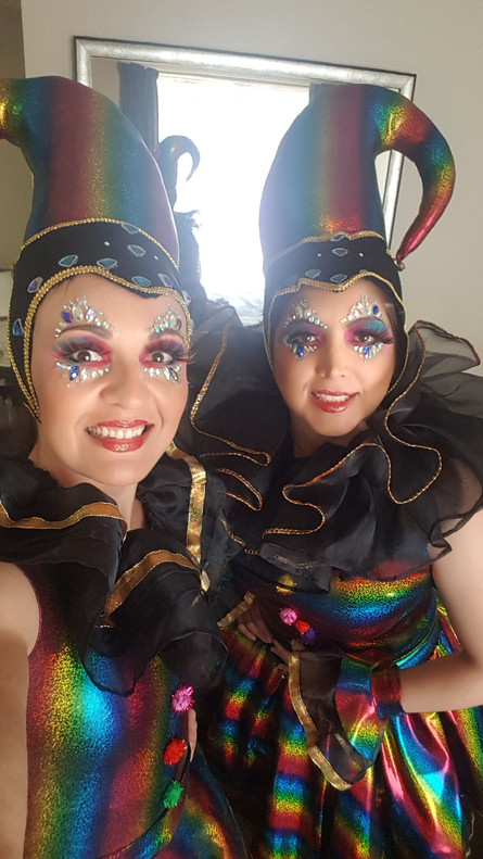Roving performers