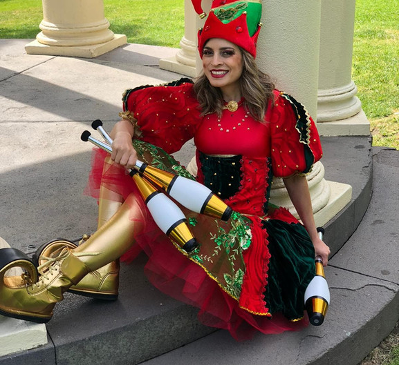Christmas elf juggler