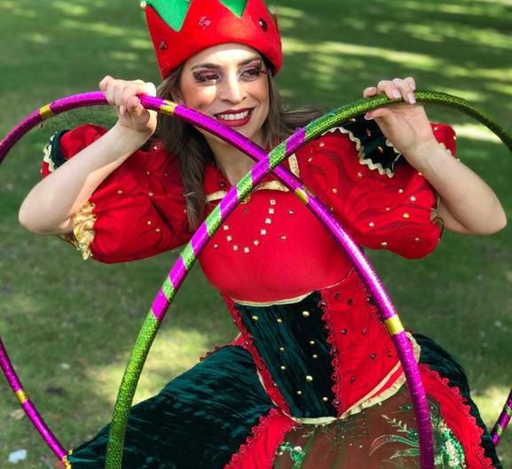 Elf hula hooper