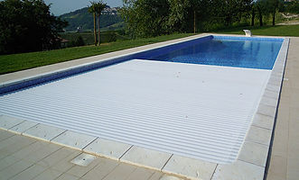 couverture automatique piscine