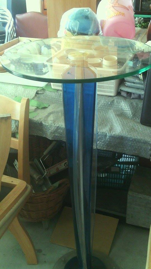 Tall Round Cocktail Table - Tall round cocktail table