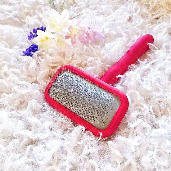 Chris Christensen Mark II-Small Red GroomGrip Slicker Brush