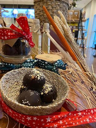 El Yapımı Çikolata Topları
