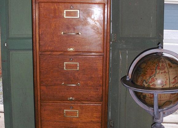 Ancien meuble classeur Administration