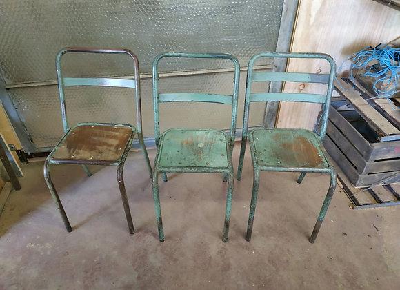 Chaise d'usine verte