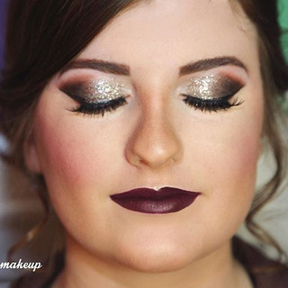 Look at this brunette Prom beauty!! 💄Sh