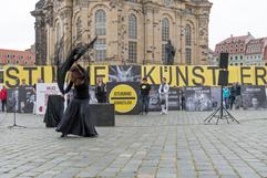 2020_0624Y6620_Stumme_Kuenstler_Copyrigh