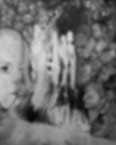 מיה בלוך, מסיכה הפוכה, גרפיט על בד, 2020
